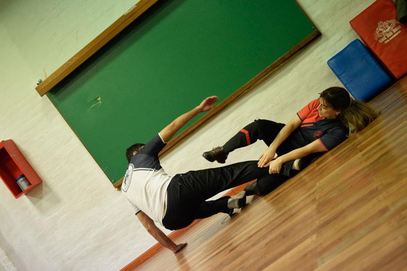 Taller-de-defensa-personal-en-la-Univ-Cordoba-06