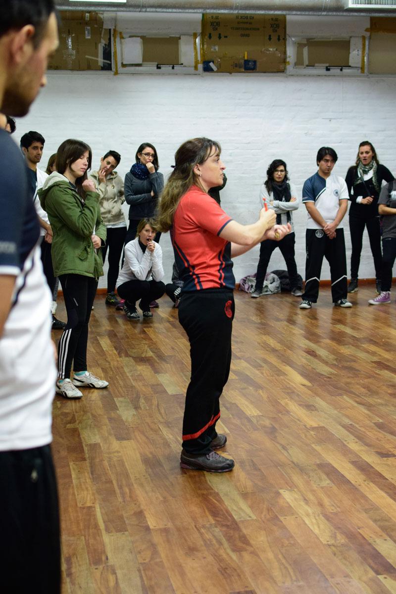 Taller-de-defensa-personal-en-la-Univ-Cordoba-10
